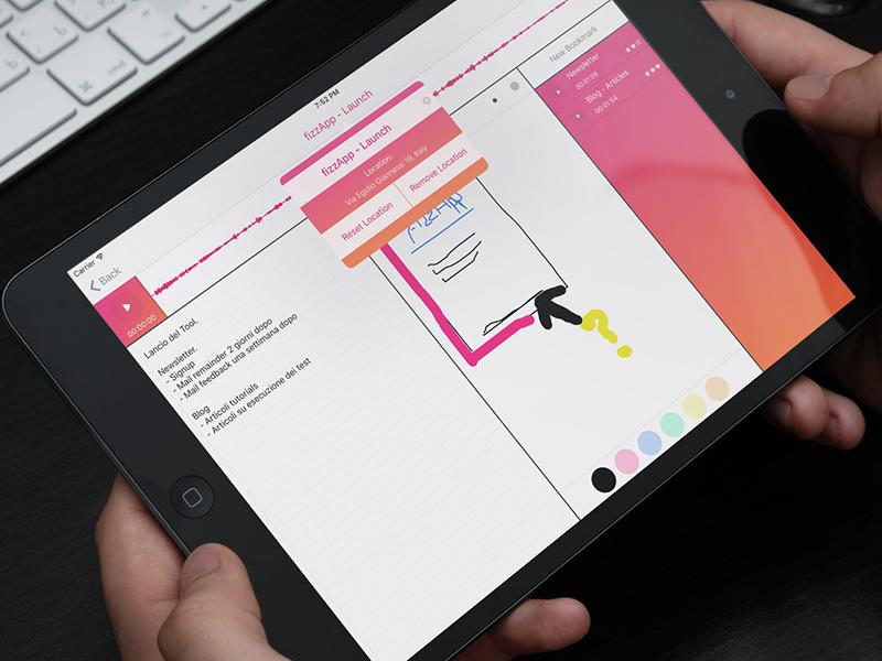 Schermata di iPad con una nota, un disegno fatto a mano e il registratore audio