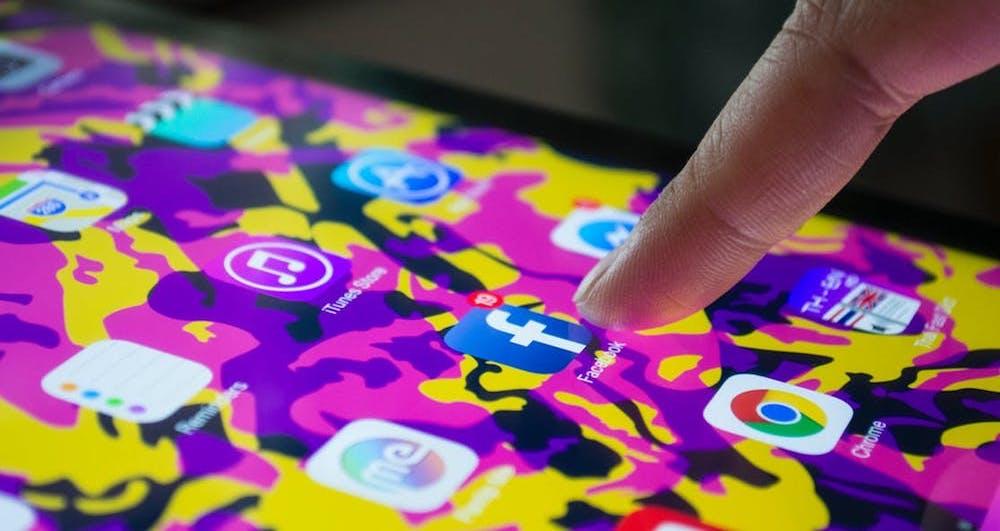 Realizziamo i contenuti marketing e gestiamo i canali social della tua applicazione iOS e Android